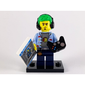 Video Game Champ, Series 19 (Complete Set with Stand and Accessories)