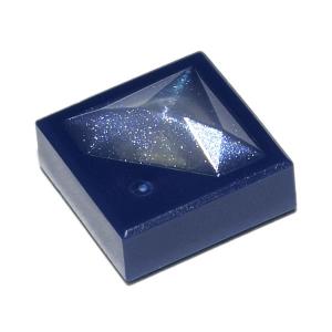 Tegel aangepast 1x1x2/3 met uitstekende satin white diamant patroon Dark Blue